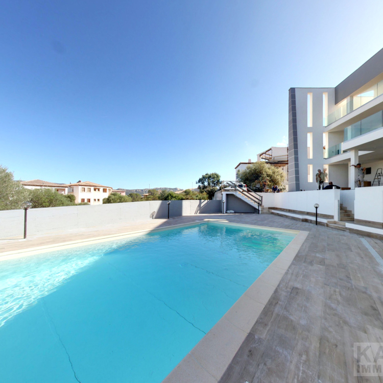 Square immobilien sardinien pool