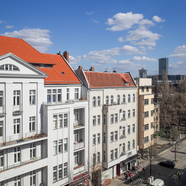 Top floor apartment in Kreuzberg: Great view and close to Schlesisches Tor