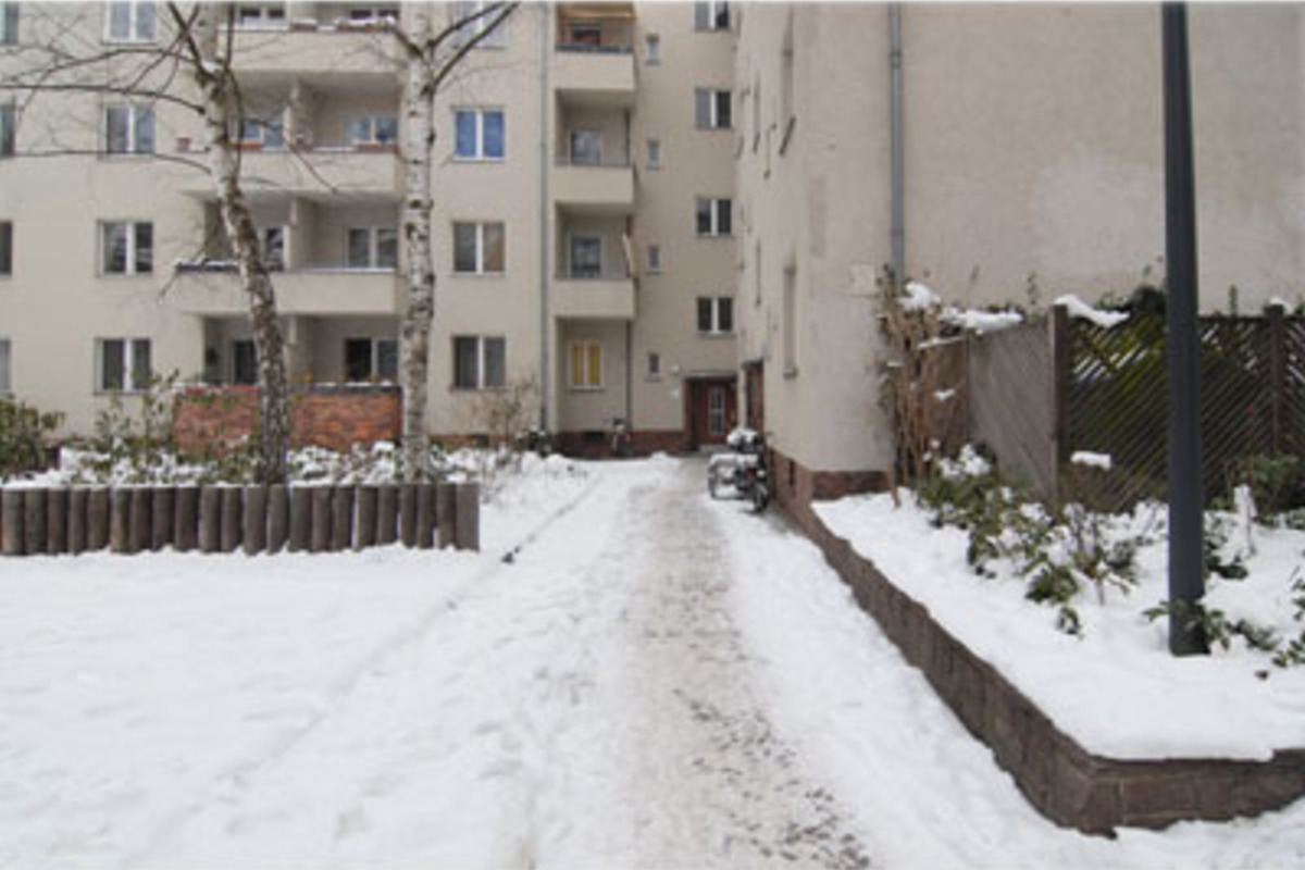 35d5fa8bd5e51d Close to the Kurfürstendamm and Savignyplatz. 2 room apartment with ...