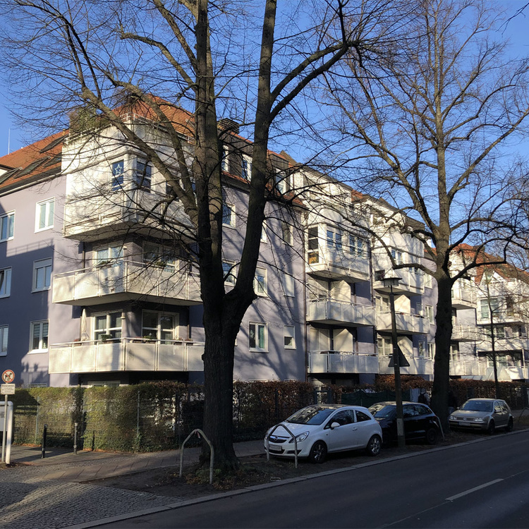 Berlin-Weißensee: Rented two room apartment on the 3rd floor